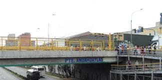 Venezolano rescatado en un puente - Venezolano rescatado en un puente