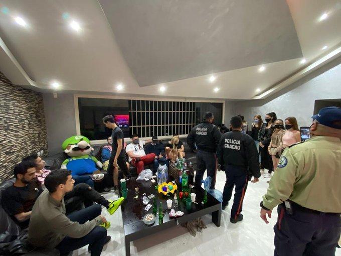 Detienen a 22 jóvenes en Chacao por organizar fiesta en medio de la cuarentena