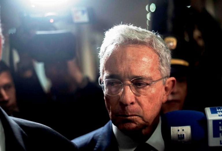 Expresidente colombiano Álvaro Uribe da positivo a coronavirus