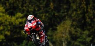 Dos increíbles caídas de motos en válida Mundial - noticias24 Carabobo