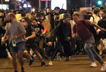 Enfrentamientos entre manifestantes y policía en Bielorrusia
