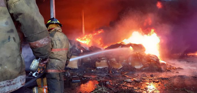 Redan, Incendio Goodyear, Cauchos Buen Año, Black Eagle C.A., REDAN Central Bomberos, Valencia, Carabobo, Región Central, 1 de Agosto,