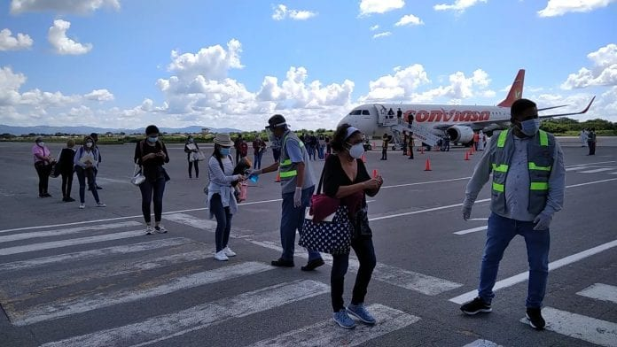 Recibidos 80 connacionales procedentes de Panamá - N24C