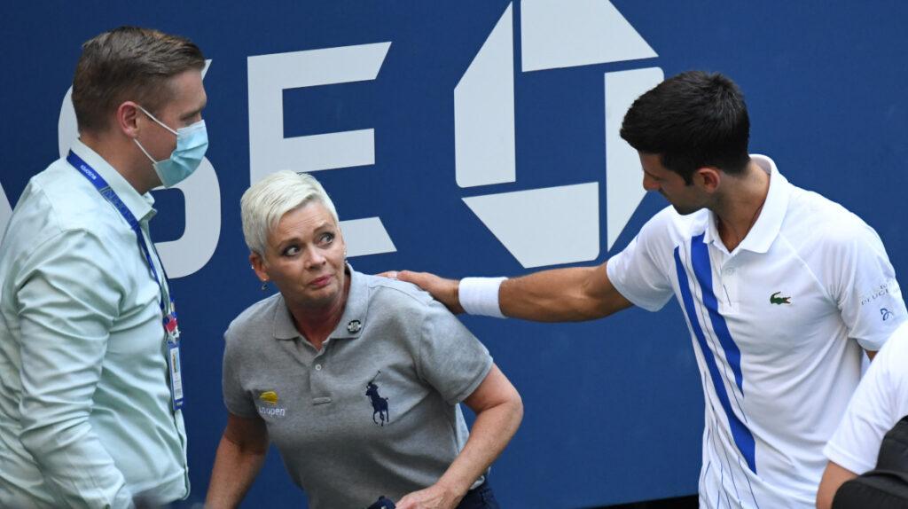 Djokovic descalificado del US Open
