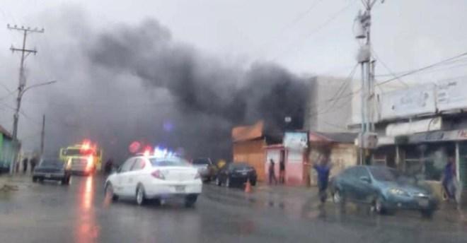 Lanzan granada en ferretería de Cabimas