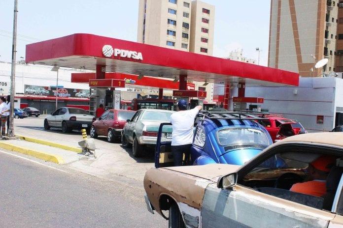Robar gasolina - Robar gasolina
