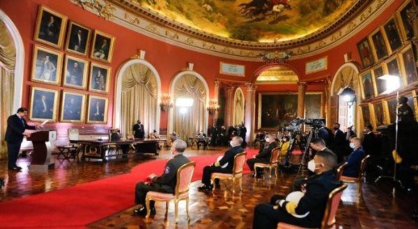 Maduro entregó ley Antibloqueo