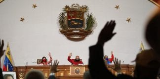 Constituyente aprueba ley antibloqueo