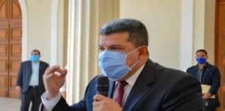 """Luis Parra: """"venezolanos no tienen que elegir entre gobierno y oposición"""""""