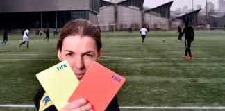 Frappart primera mujer en actuar como árbitro