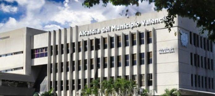 Alcaldía de Valencia suspende renovación de fe