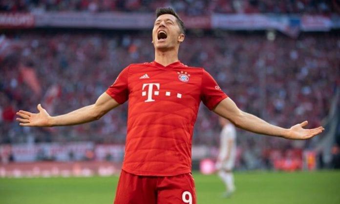 Lewandowski se impone a Messi
