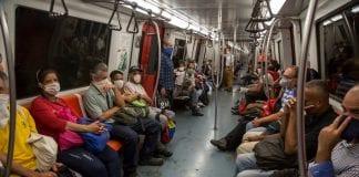 Metro de Caracas redujo asientos