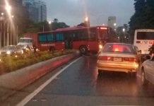Autopista Francisco Fajardo cerrada por autobús - Autopista Francisco Fajardo cerrada por autobús