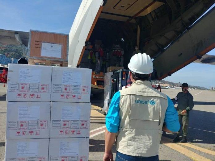 32 toneladas de ayuda humanitaria