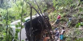 bus cayó a un precipicio