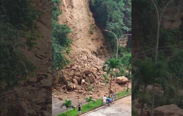 Reportan fuerte deslizamiento de tierra en Las Chimeneas (+video)