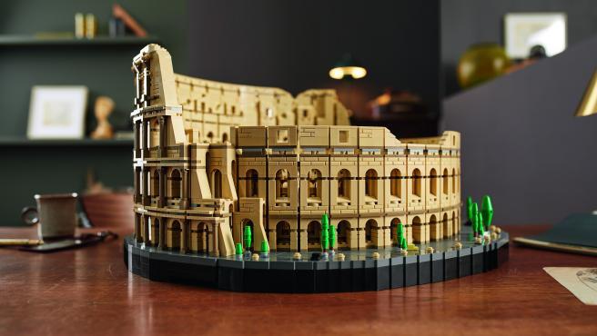 Coliseo de Roma hecho con Lego