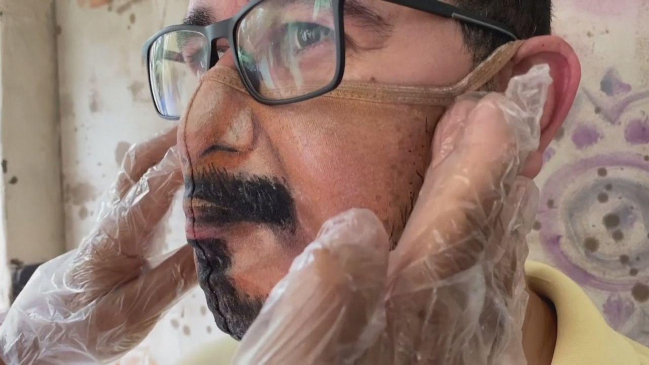 artista pinta mascarilla personalizada - artista pinta mascarilla personalizada