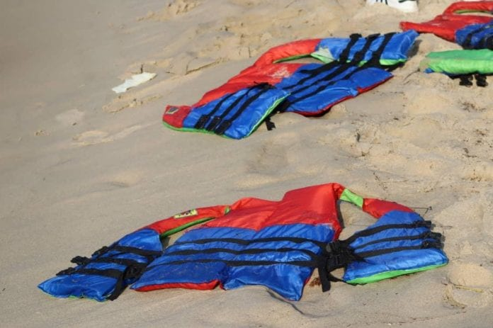 mueren 74 migrantes frente a costas de Libia