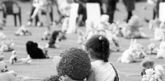 Violada y apedreada niña de cinco años - Violada y apedreada niña de cinco años
