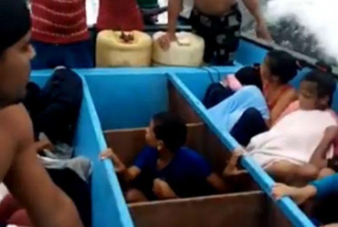 Niños venezolanos deportados por Trinidad y Tobago