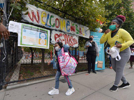 reabrirán escuelas en Nueva York