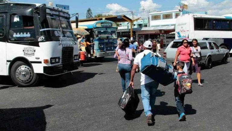 Evalúan reactivar rutas de transporte entre estados para diciembre