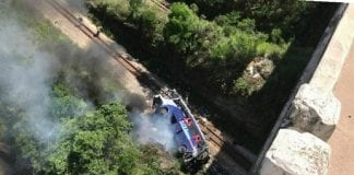 caída de autobús de viaducto