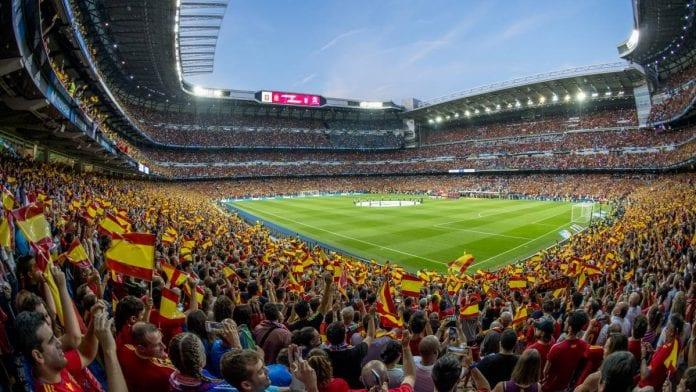 Aficionados podrían volver a los estadios para enero
