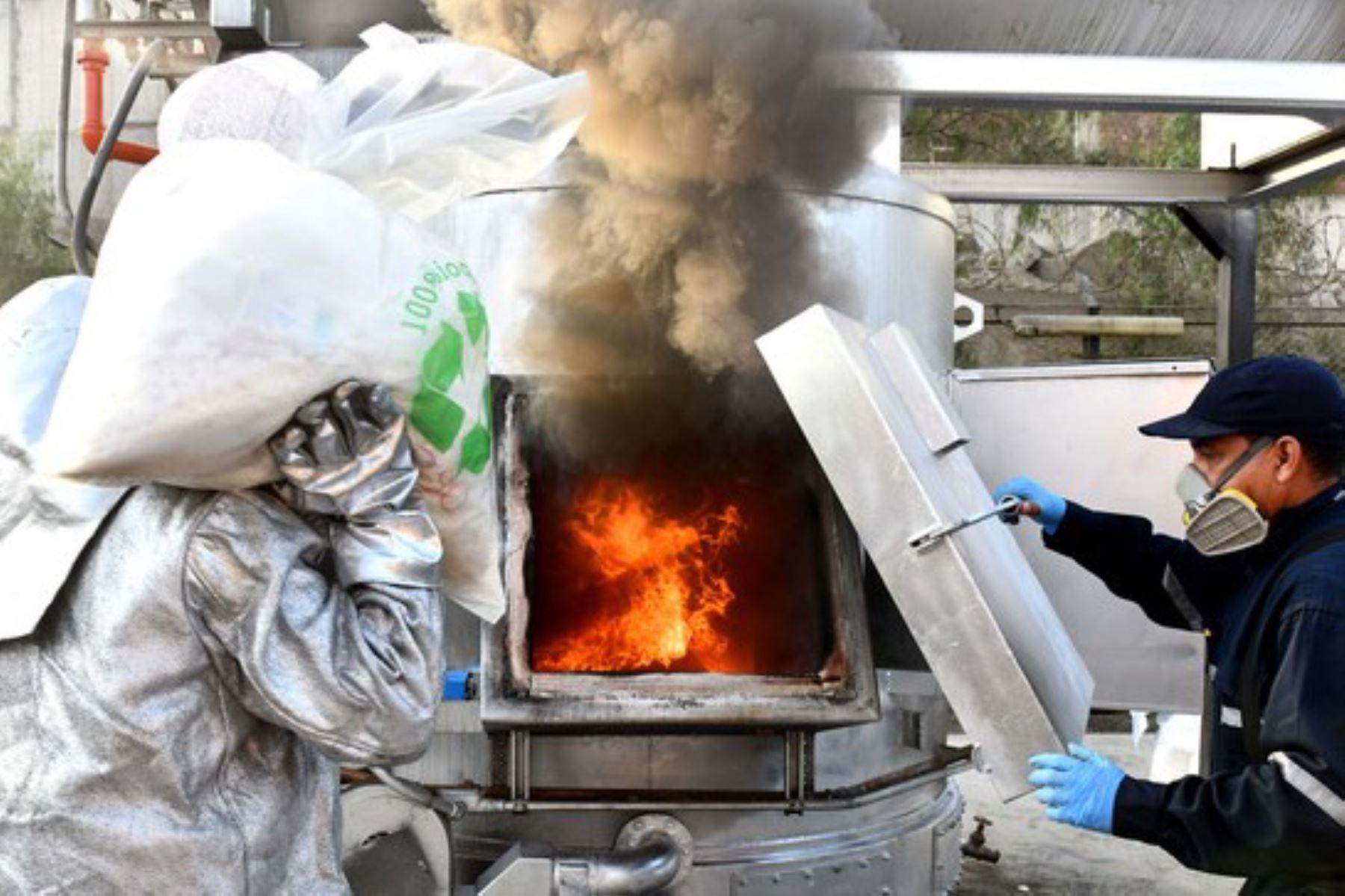 19 toneladas de drogas destruidas -19 toneladas de drogas destruidas
