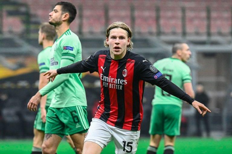 Hauge comandó remontada del AC Milán, quien avanzó en Europa League