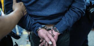 Tortura a una mujer - Tortura a una mujer