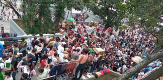 Sin distanciamiento social el Centro de Caracas