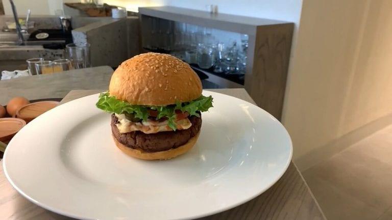 Conozca la nueva hamburguesa que lanza Vietnam