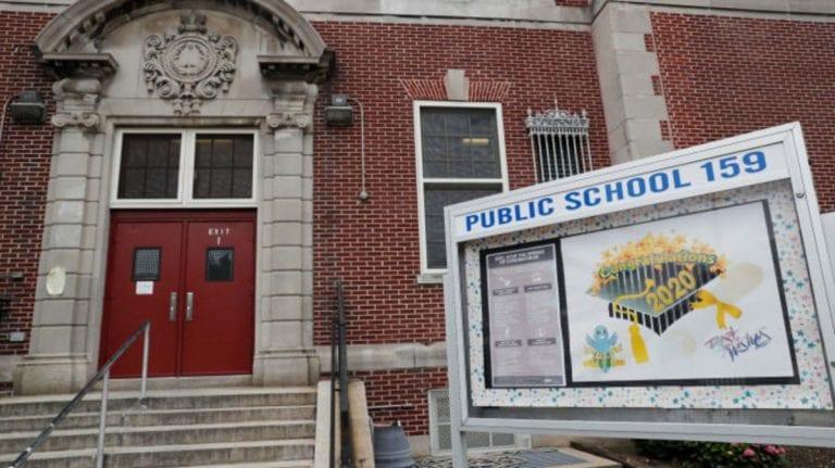 Nueva York reabrió escuelas primarias en un «ambiente de esperanza»