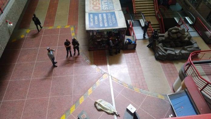 Hombre se suicidó en Centro Comercial El Valle
