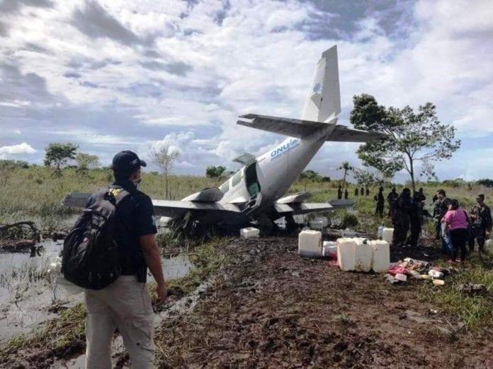 Honduras incauta avioneta de Venezuela - Honduras incauta avioneta de Venezuela