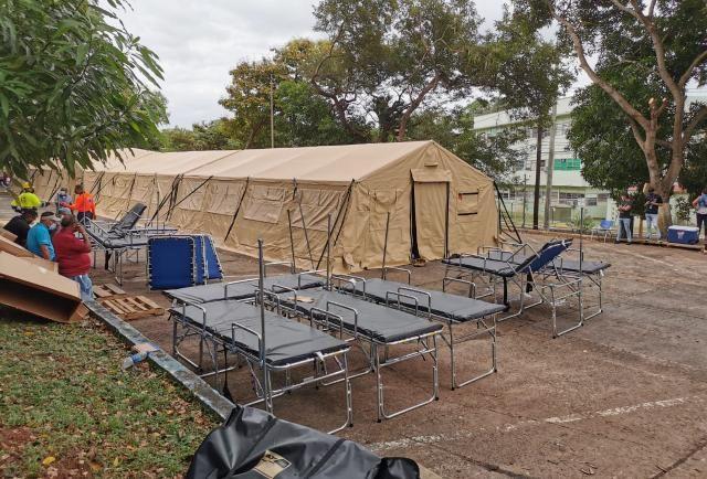 Panamá instala hospitales de campaña