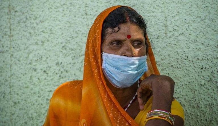 India es el segundo país más afectado por la pandemia y supera a Brasil