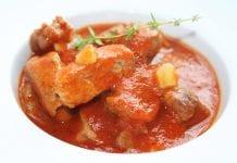 pechuga de pollo en salsa roja - pechuga de pollo en salsa roja