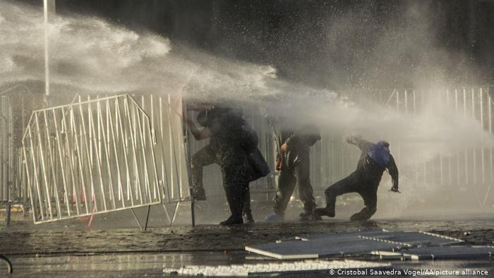 Nueva jornada de protestas en Chile deja varios detenidos (+fotos)