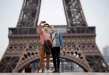 Torre Eiffel reabre