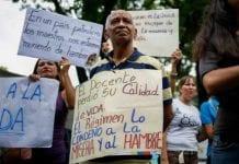 Sistema educacional perdió a más de 300 mil docentes