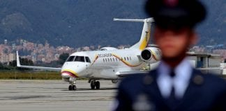 Avión del presidente de Ecuador aterriza de emergencia