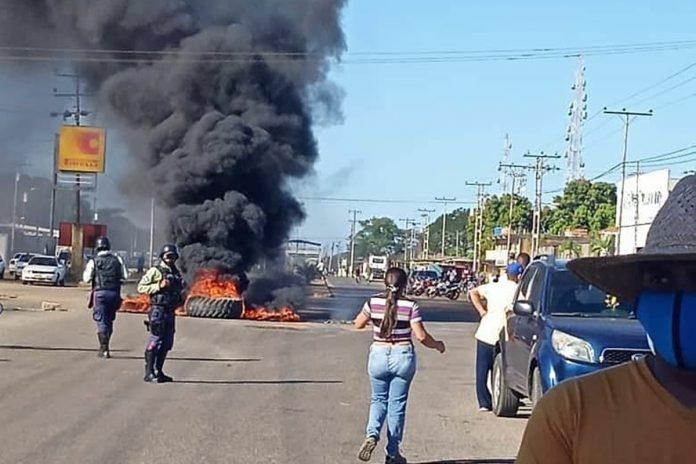 Protesta en Calabozo por suministro de gasolina