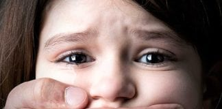 Raptan a una niña de 4 años - Raptan a una niña de 4 años