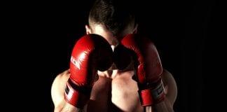 Arrestan a luchador de la UFC