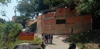 Volcamiento en la avenida Cedeño - Volcamiento en la avenida Cedeño