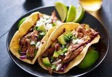 Tortillas mexicanas rellenas de carne